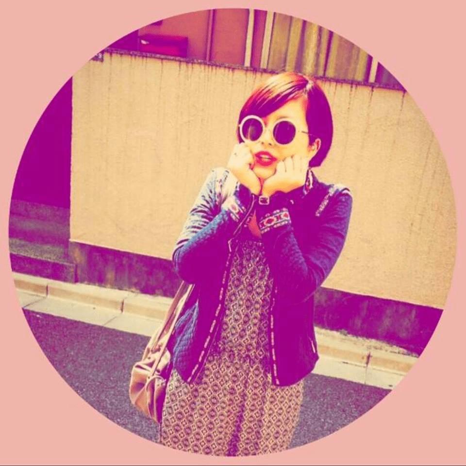 Momoko Hired At SOHO Nail Boutique