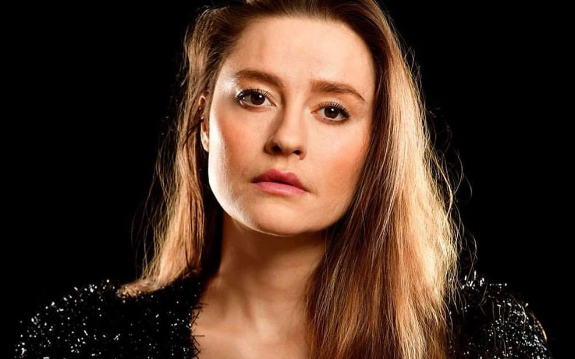 Stephanie Van Dyck: Circus Artist, Radio Host, Actor